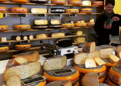 koetshuysch-kaaswinkel-hoogvliet-in-winkelcentrum-zalmplaat-houdt-op-14-maart-een-proeverij-van-17-tot-20-uur-met-mitra-slijterijen